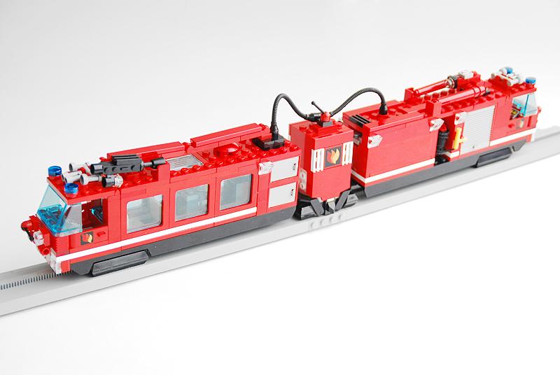 MOC: Monorail Emergency Train - LEGO Train Tech - Eurobricks